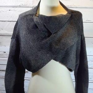 Simply Vera Wang Cropped Sweater Size Medium